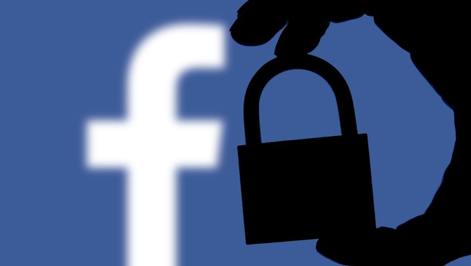 Android Apps From Facebook Scrapes Calls And Text Messages