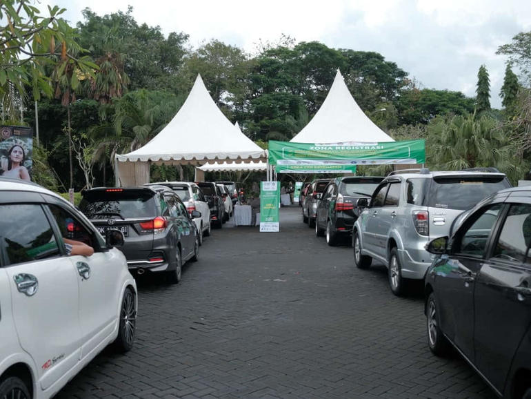 Grab partners with Indonesian government to open COVID drive-through vaccination centre