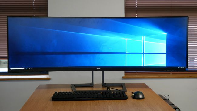 Phillips 499P9H 49-inch SuperWide Curved Monitor