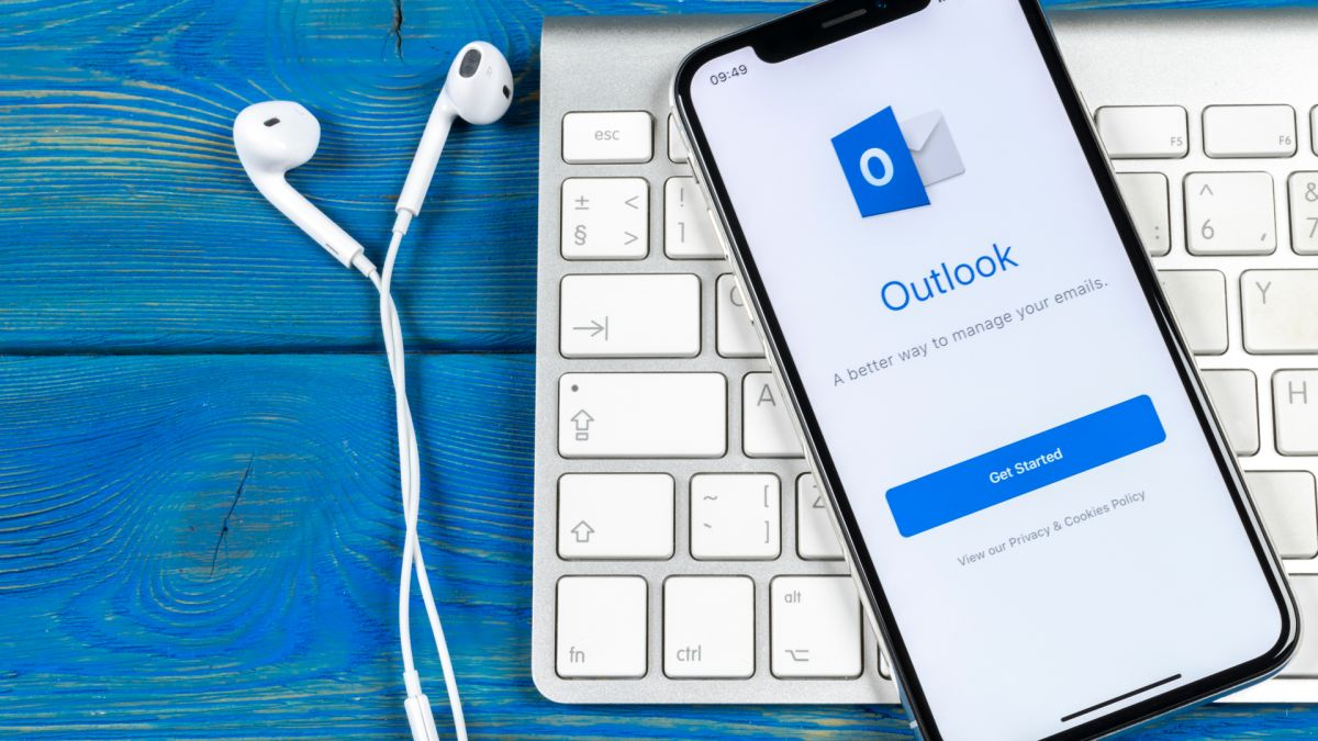 Microsoft is giving the Outlook Calendar a feature-packed facelift