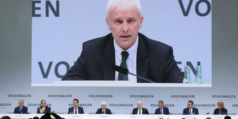 Volkswagen boss won't rule out merger with Fiat-Chrysler